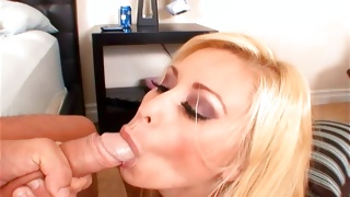 Perfectly hot young whore came to horrible fellow
