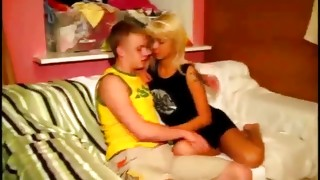 Valuable blond whore is sucking the tasty powerful 10-pounder